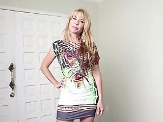 Blonde Mummy Gets On Her Knees For Manmeat