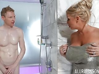 Nude Mommy Ambles Into The Bathroom With Her Stepson