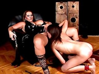Cougar Leaves The Youthful Sub Woman To Suck On Her Fat Cootchie