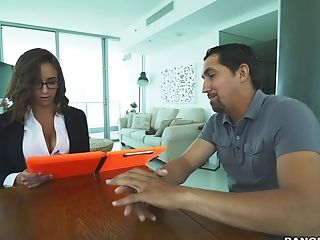 First-timer Dude With A Large Dick Fucks Buxomy Office Lady Layla London