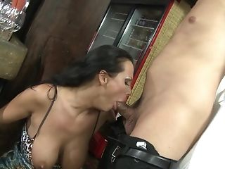 Mandy Bright Gets Dual Penetrated And Munches Jizz In Public